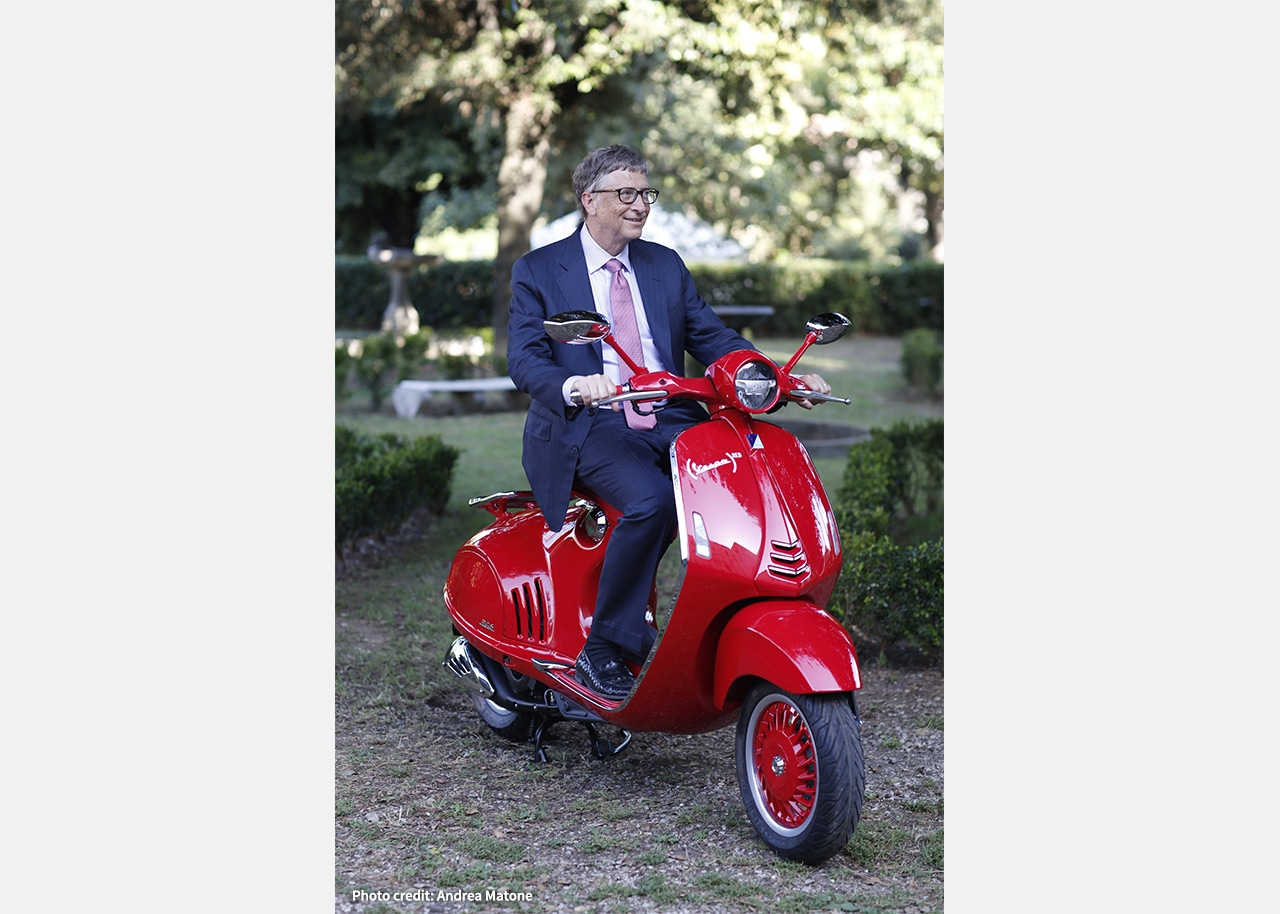 THE PIAGGIO GROUP IS JOINING FORCES WITH (RED)® IN THE FIGHT